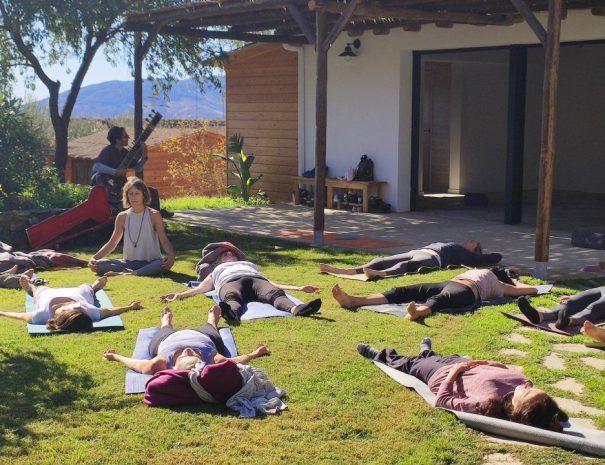 yoga-exterior